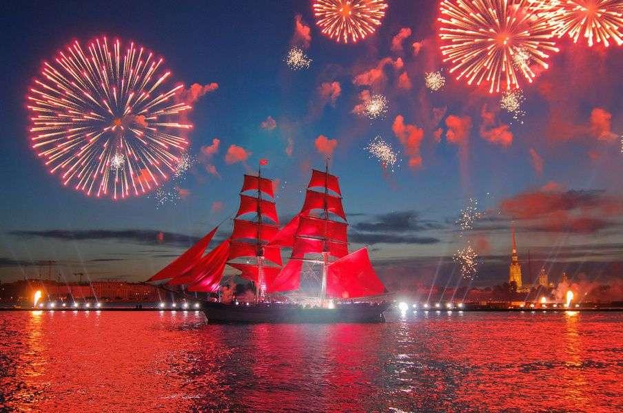 «Алые паруса» - самое громкое событие июня в Санкт-Петербурге