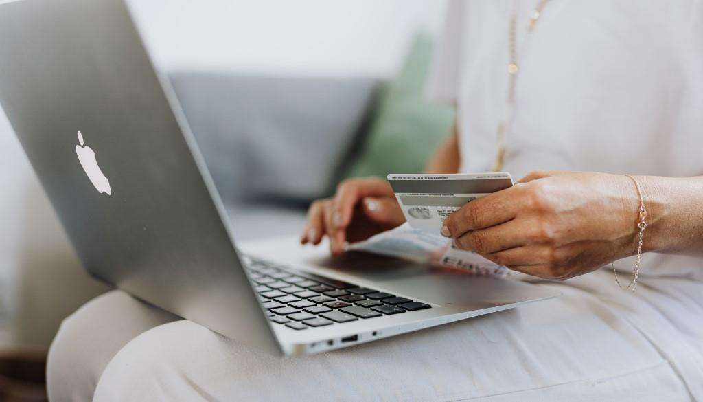 Как не нарваться на мошенников, покупая билет в Москву онлайн