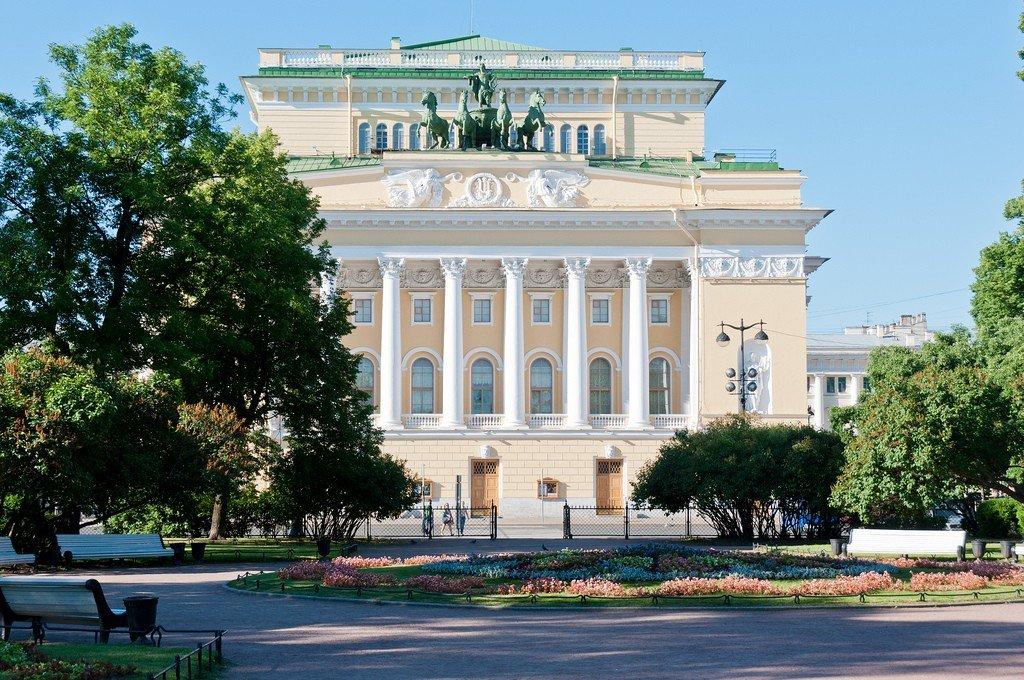 Санкт-Петербург: что посмотреть, где побывать, что попробовать?