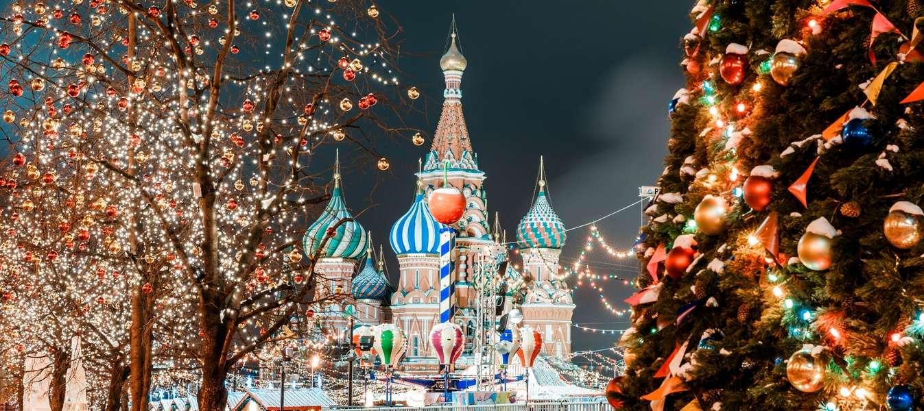Куда сходить на новогодние праздники в Москве?